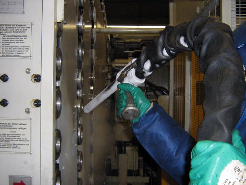 Produktionsanlage Trockeneisstrahl reinigung 2 Reinigung mit der Trockeneis Strahltechnik