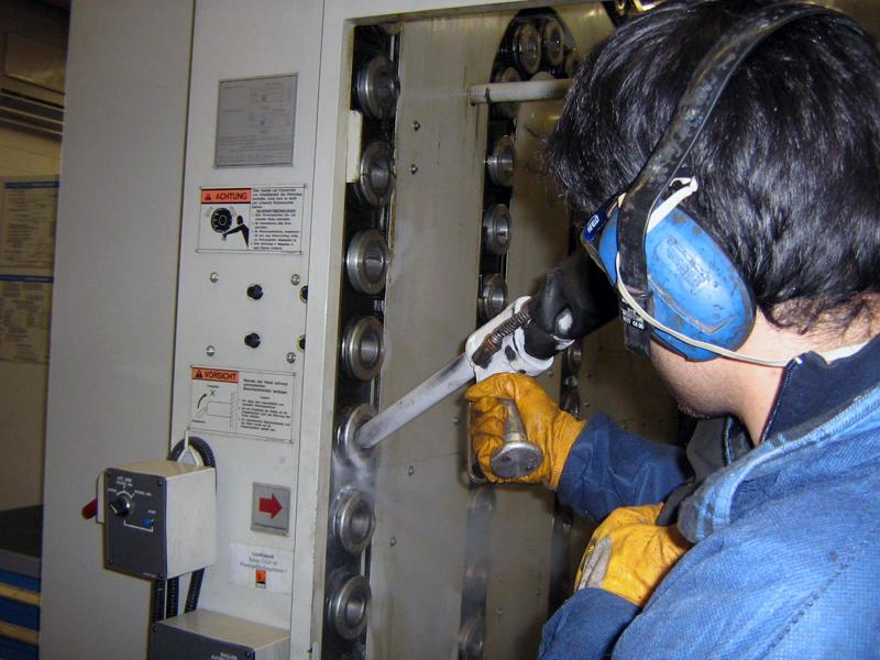 Produktionsanlage Trockeneisstrahl reinigung 3 Reinigung mit der Trockeneis Strahltechnik