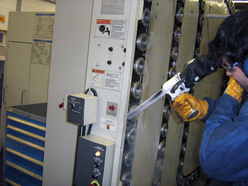 Produktionsanlage Trockeneisstrahl reinigung Reinigung mit der Trockeneis Strahltechnik