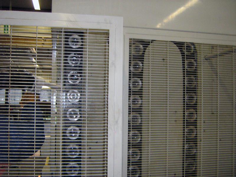 Produktionsanlage gereingt Trockeneisstrahl geschlosasen Reinigung mit der Trockeneis Strahltechnik